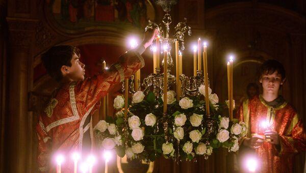 Празднование Пасхи в скальном монастыре Феодора Стратилата в Крыму