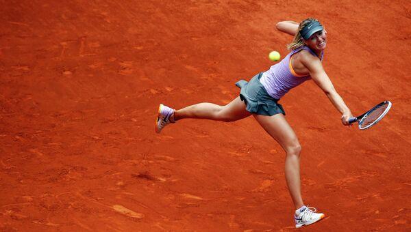 Теннисистка Мария Шарапова во время матча на открытом чемпионате Мадрида