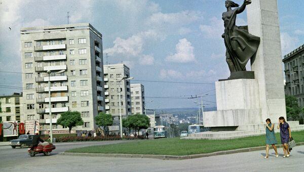 Памятник советским воинам освобождавшим Молдавию в 1944 году. Архивное фото