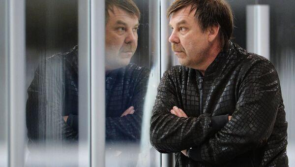 Главный тренер сборной России Олег Знарок, архивное фото