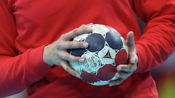 Гандбольный мяч. Архивное фото