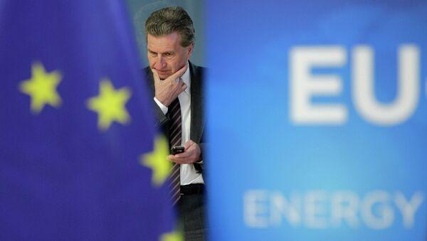 Комиссар ЕС Гюнтер Эттингер. Архивное фото