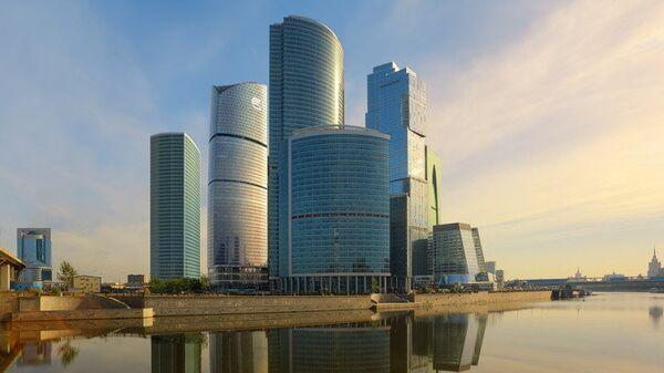 Здание главного офиса банка ВТБ в Москве