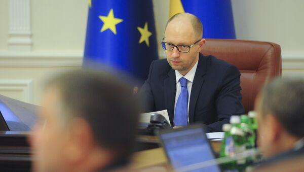 Премьер-министр Украины Арсений Яценюк на заседании правительства. Архивное фото