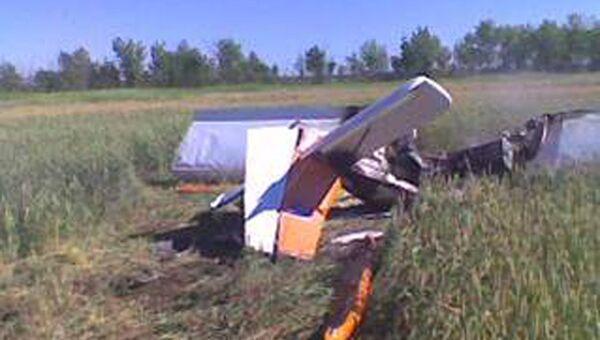 На месте крушения легкомоторного самолета марки СП-30 в Саратовской области