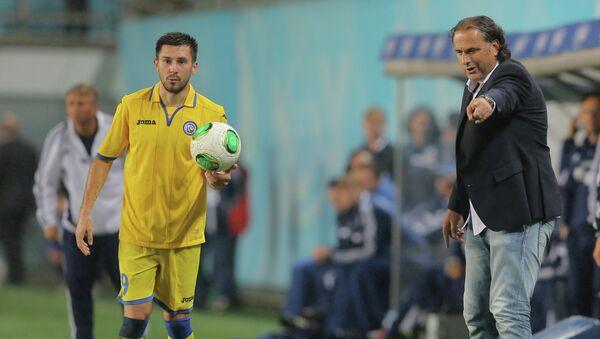 Главный тренер футбольного клуба Ростов Миодраг Божович (справа) игрок команды Хрвойе Милич. Архивное фото
