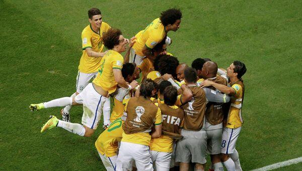 Сборная Бразилии на матче ЧМ-2014