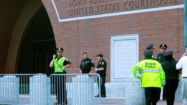 У здания суда в Бостоне, где проходили слушания по делу Джохара Царнаева