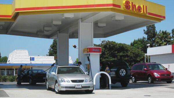 Автозаправочная станция концерна Shell. Архивное фото