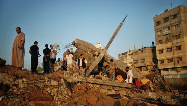 Разрушения после авиаударов израильской армией в Секторе Газа