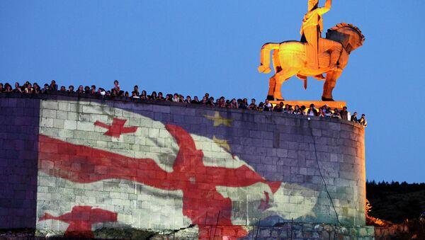 Проекция флагов Грузии и Евросоюза в Тбилиси, архивное фото
