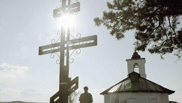 У мемориального креста