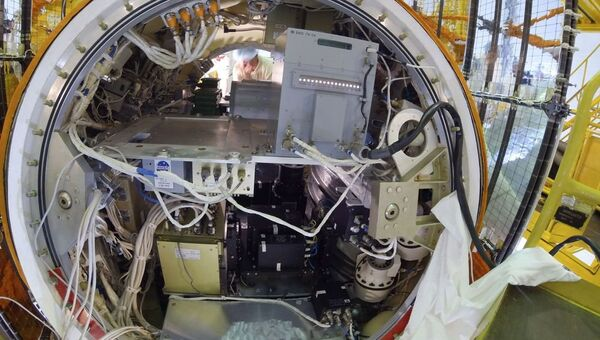 Погрузка животных и установка аппаратуры на Фотон-М №4