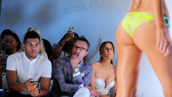 Неделя пляжной моды Mercedes-Benz Fashion Week в Майами