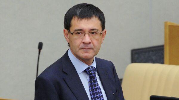 Первый заместитель председателя комитета Государственной Думы РФ по вопросам собственности Валерий Селезнев. Архивное фото