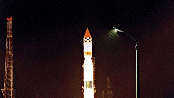 Старт ракеты-носителя Циклон-3 на космодроме Плесецк (из архива Института космических исследований РФ)