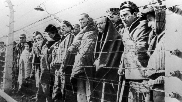 Узники концентрационного лагеря Освенцим, освобожденные войсками Красной армии в январе 1945 года. Архивное фото