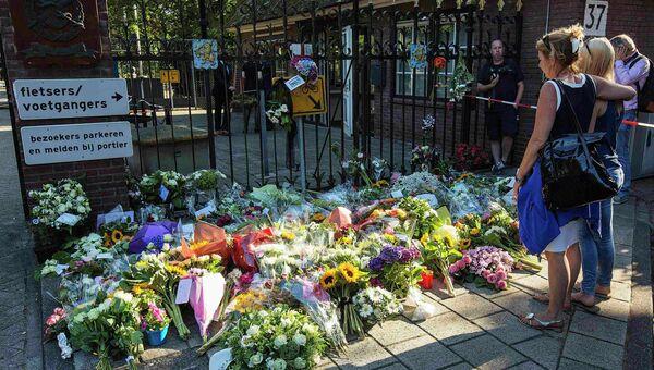 Жители Нидерландов скорбят по жертвам авиакатастрофы на Украине