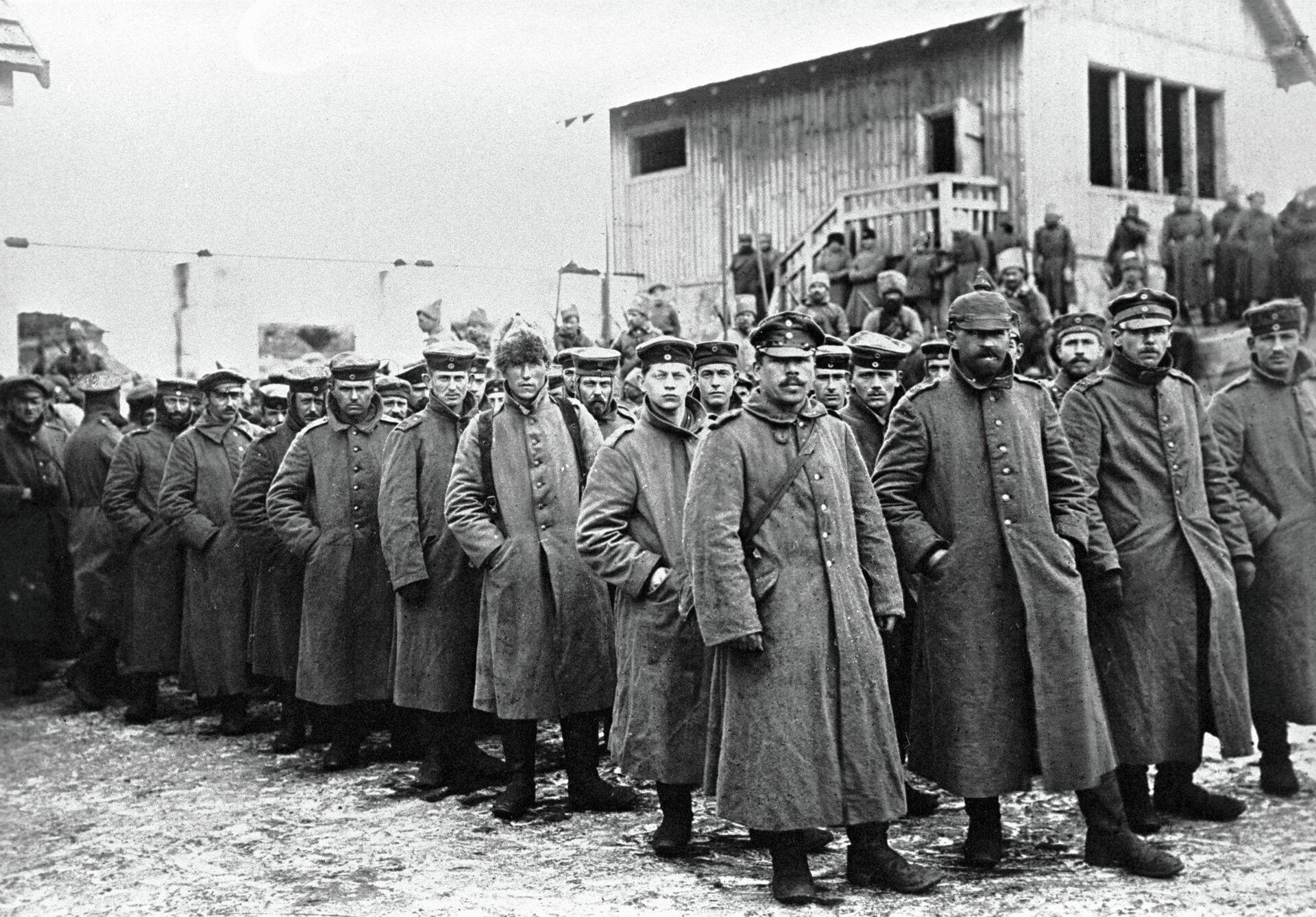 Немцы, взятые в плен у деревни Нарочь - РИА Новости, 1920, 11.07.2021