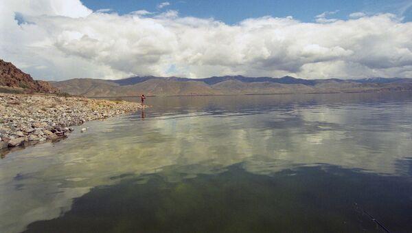 Севан - высокогорное озеро в Армении