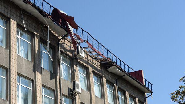 Здание, пострадавшее от обстрела Донецка. Архивное фото