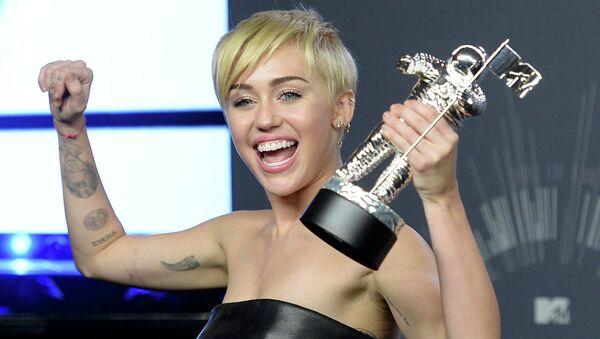 Американская актриса и певица Майли Сайрус на церемонии вручения премии MTV Video Music Awards 2014