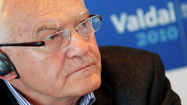 Польский политик Лешек Миллер. Архивное фото