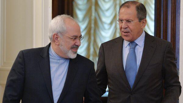 Министр иностранных дел России Сергей Лавров (справа) и министр иностранных дел Ирана Мухаммед Джавад Зариф, архивное офто
