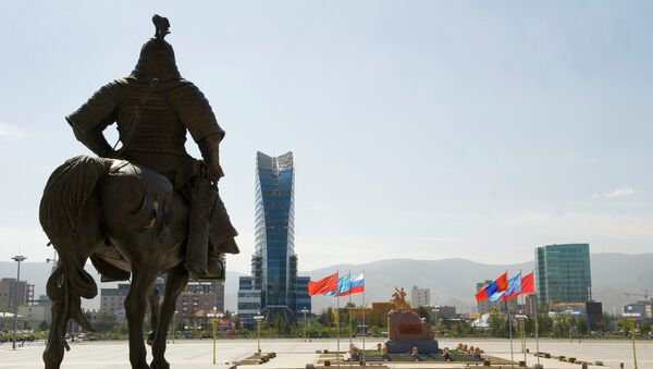 Площадь Сухэ-Батора в центре Улан-Батора. Архивное фото