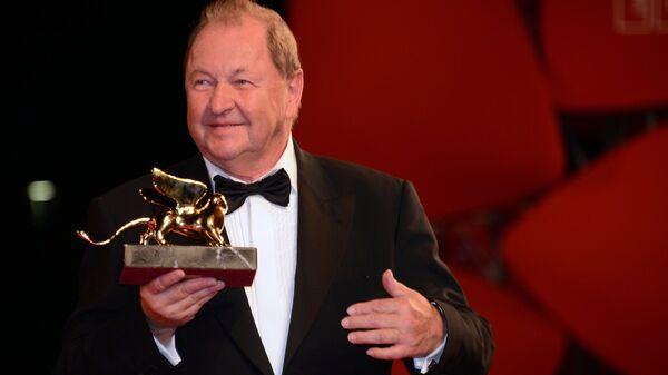 Шведский режиссер Рой Андерссон с призом Золотой лев Святого Марка