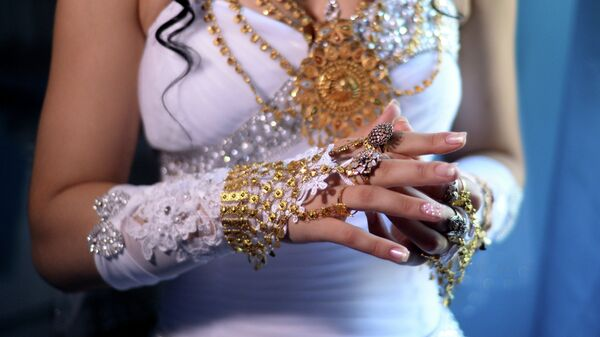 Невеста на цыганской свадьбе