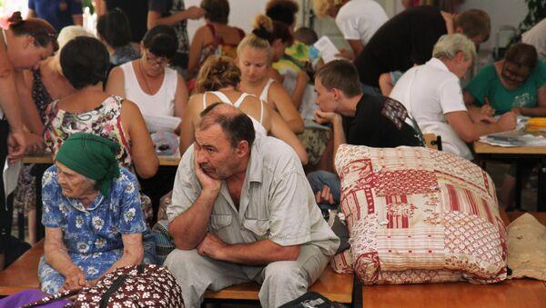Пункт приема переселенцев в Симферополе. Архивное фото