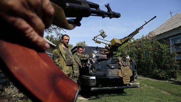 Бойцы ополчения ДНР в Донецке. Архивное фото