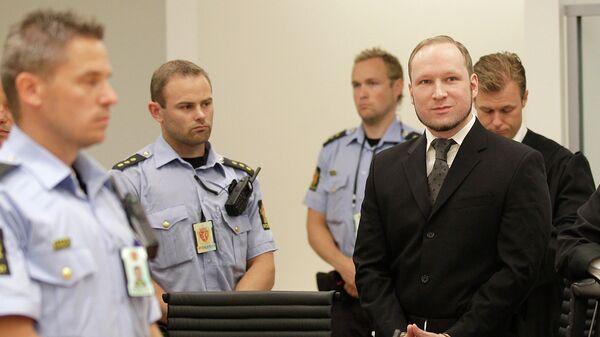 Андерс Брейвик в зале суда. Архивное фото