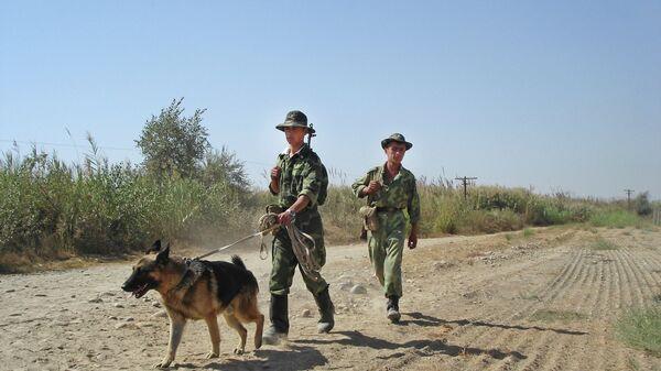 Таджикские пограничники на таджикско-афганской границе