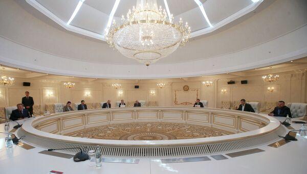 Встреча трехсторонней контактной группы в Минске, архивное фото