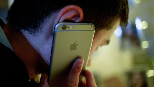 Смартфон Apple iPhone 6. Архивное фото