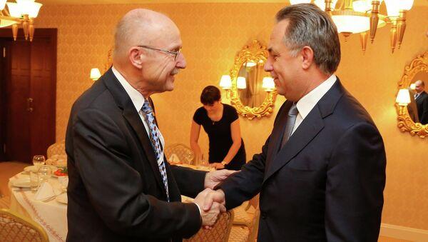 Представитель генсека ООН по вопросам спорта во имя развития и мира Вильфридом Лемке и министр спорта РФ Виталий Мутко