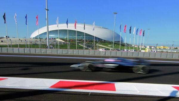 Болид на российском этапе чемпионата мира Формула-1. 10 октября 2014
