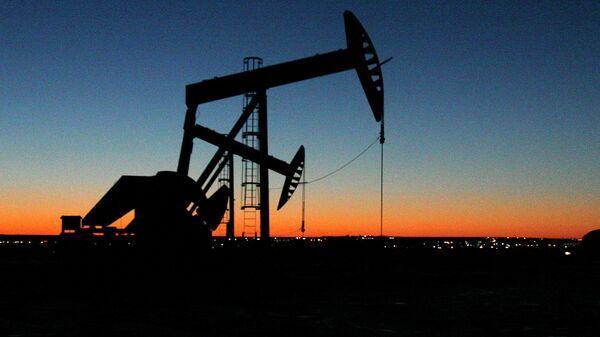 Место добычи нефти в Северной Дакоте. Архивное фото