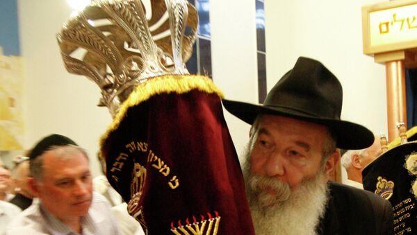 В казанской синагоге состоялось открытие нового арон-кодеша — места, в котором хранятся свитки Торы