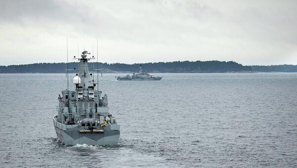 Шведский минный тральщик HMS KULLEN в водах Стокгольмского архипелага. Архивное фото