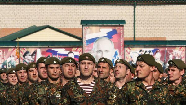 Военнослужащие во время мероприятий по случаю Дня призывника в городе Грозном. Архивное фото