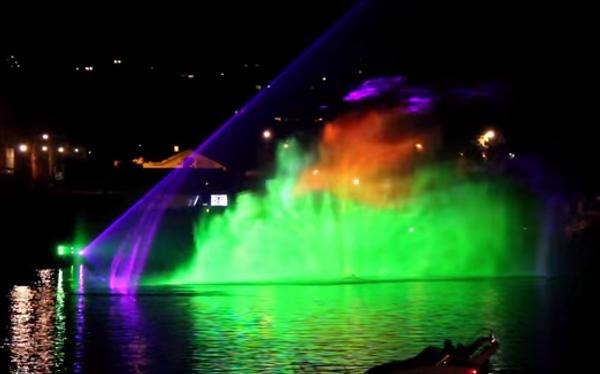 Потрясающее водное шоу со световыми спец-эффектами в Праге
