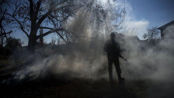 Боец ополчения ЛНР, архивное фото