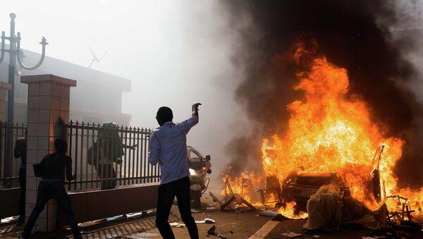 Беспорядки на улицах столицы Буркина-Фасо города Уагадугу