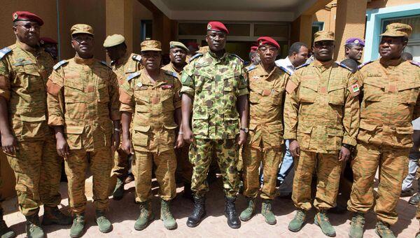 Подполковник Исаак Зида, захвативший власть в Буркина-Фасо