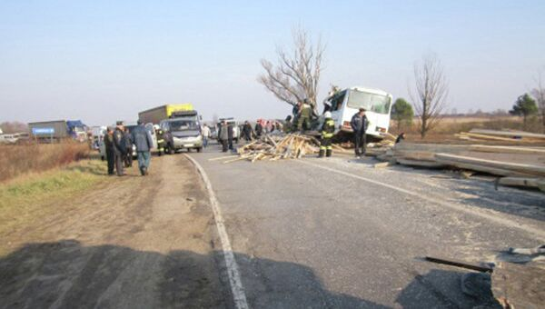 ДТП с грузовиком и пассажирским автобусом в Нижегородской области
