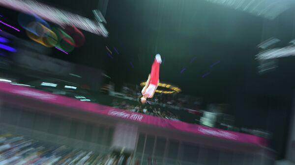 Прыжки на батуте. Архивное фото
