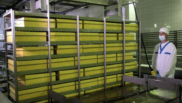 Сыродельный завод в городе Мена, Украина